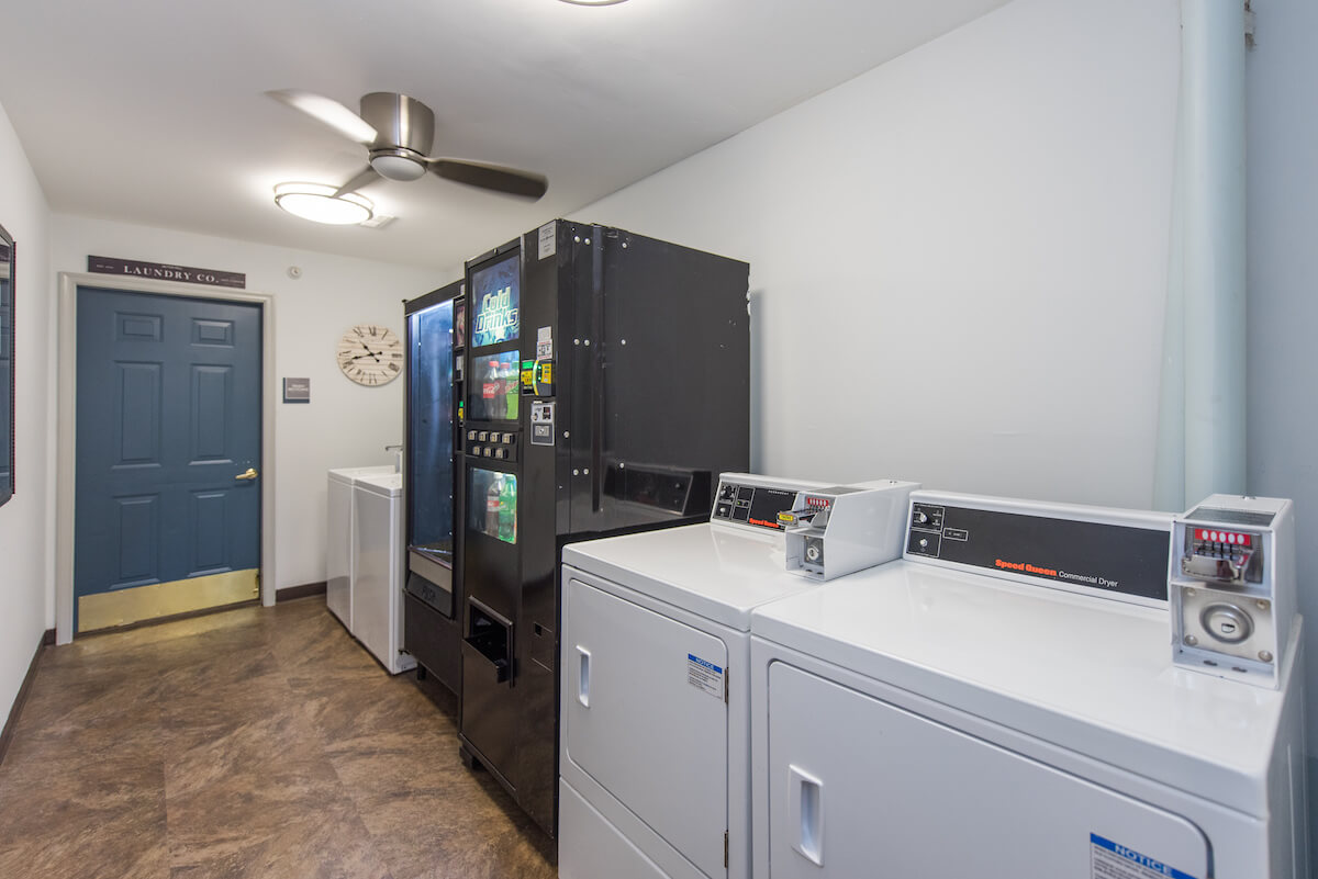 Laundry room and vending machine